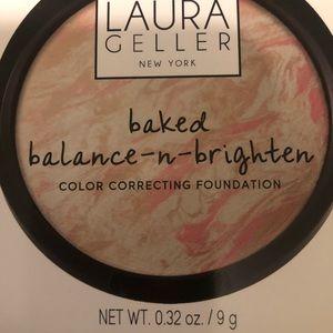 Laura Geller New York (Color porcelain)